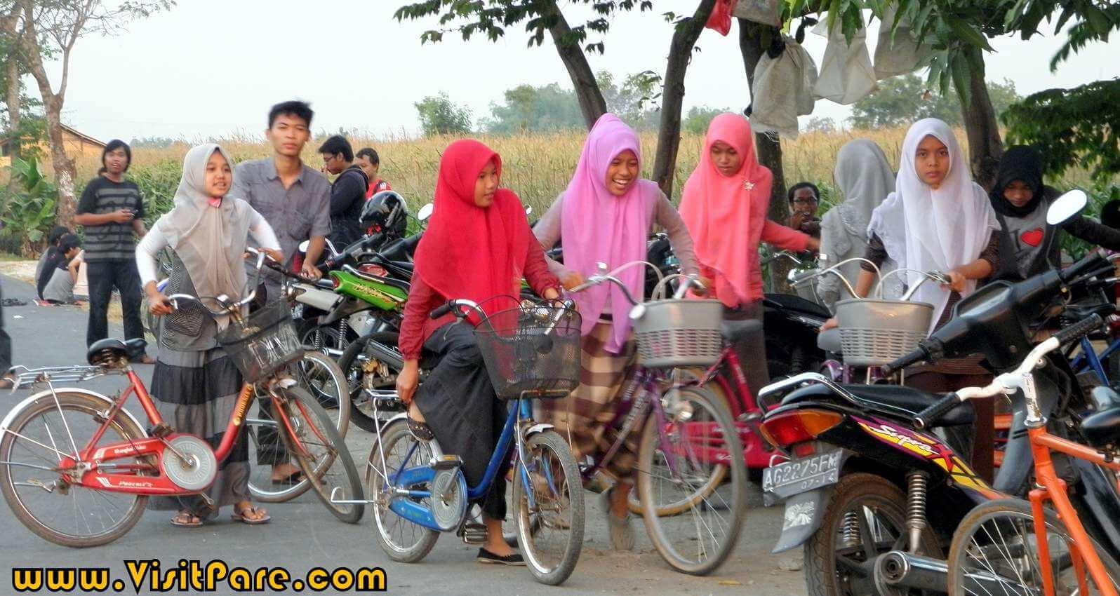 Bersepeda Pagi ke Mak Ketan