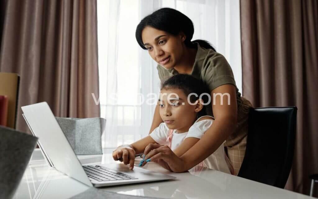 Bantu dengan teknologi