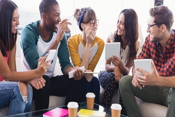 Dialog Bahasa Inggris 5 Orang dengan Berbagai Tema Pembahasan